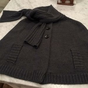 BANANA REPUBLIC knitted cape